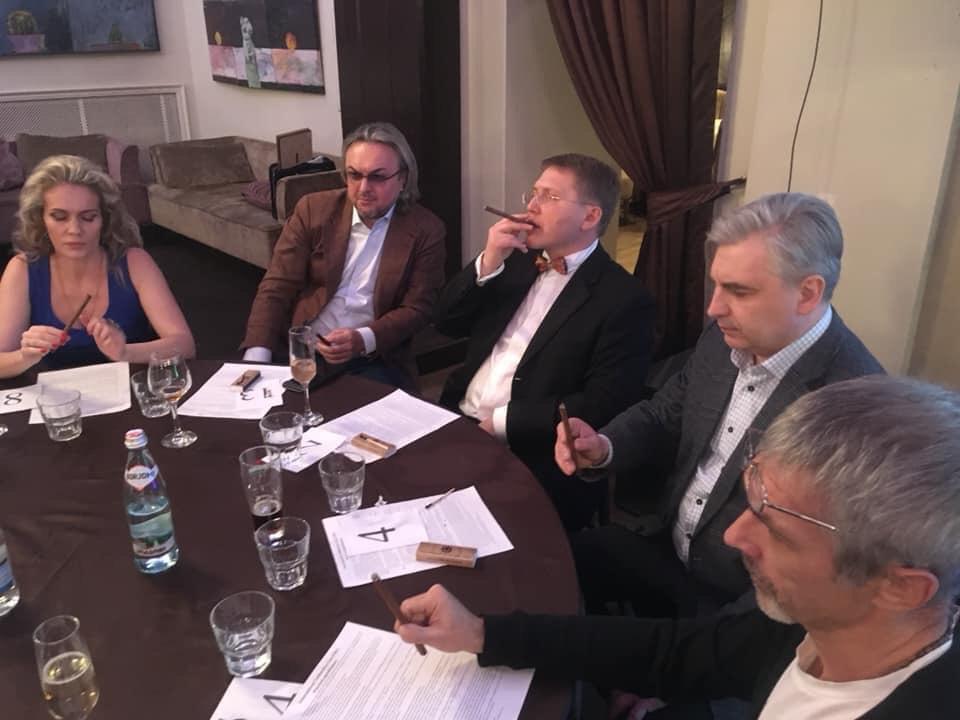 турнир по медленному курению сигар фабрики Siglo de Oro по правилам iTBC