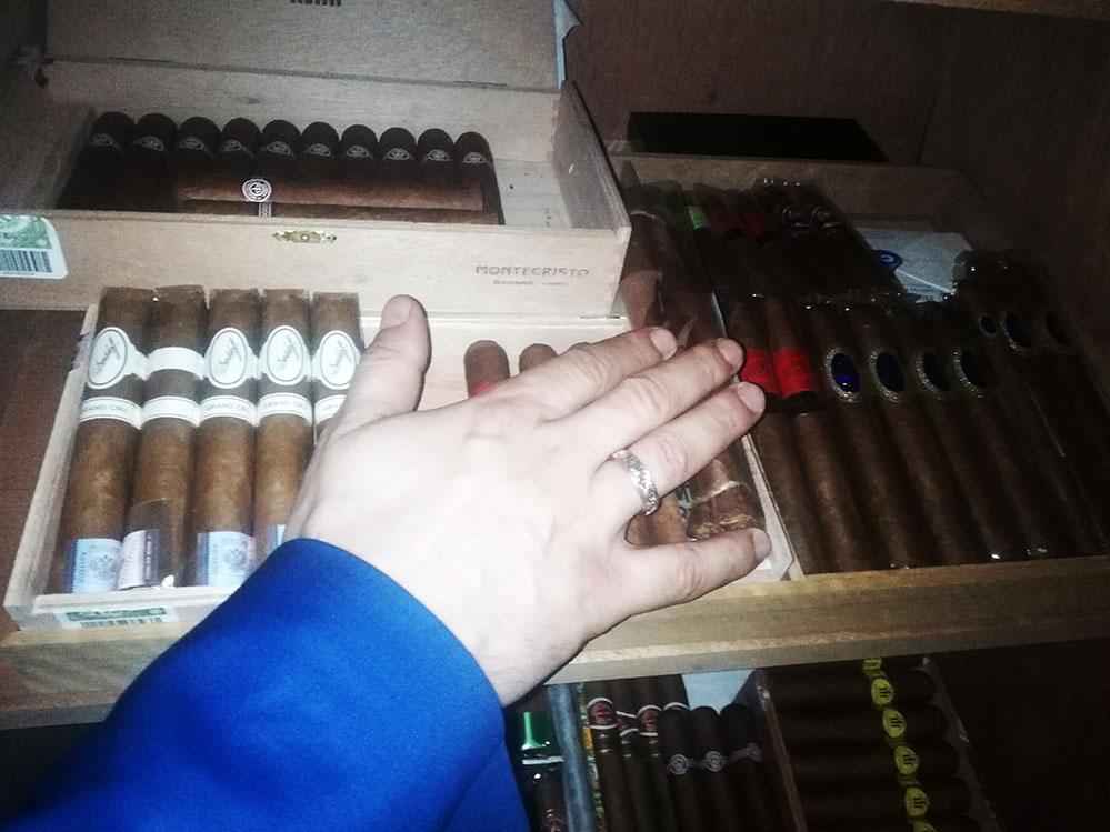 сигары SIGLO DE ORO в ТИФЛИССКОМ ДВОРИКЕ