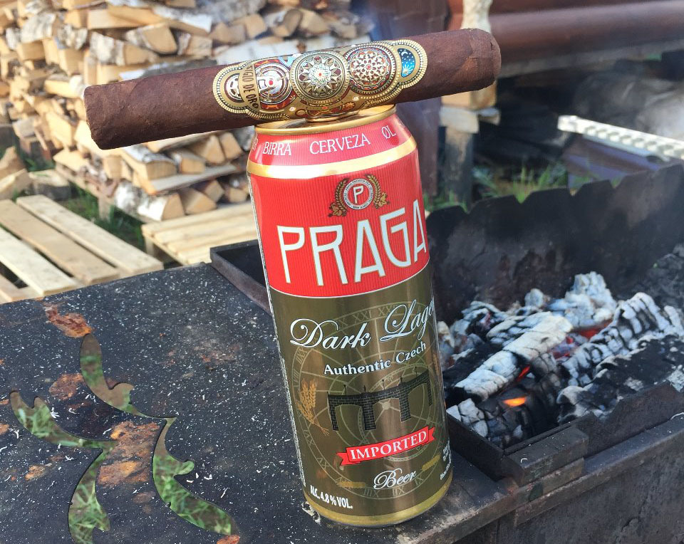 тёмная PRAGA и сигары от SIGLO DE ORO — интересное сочетание …