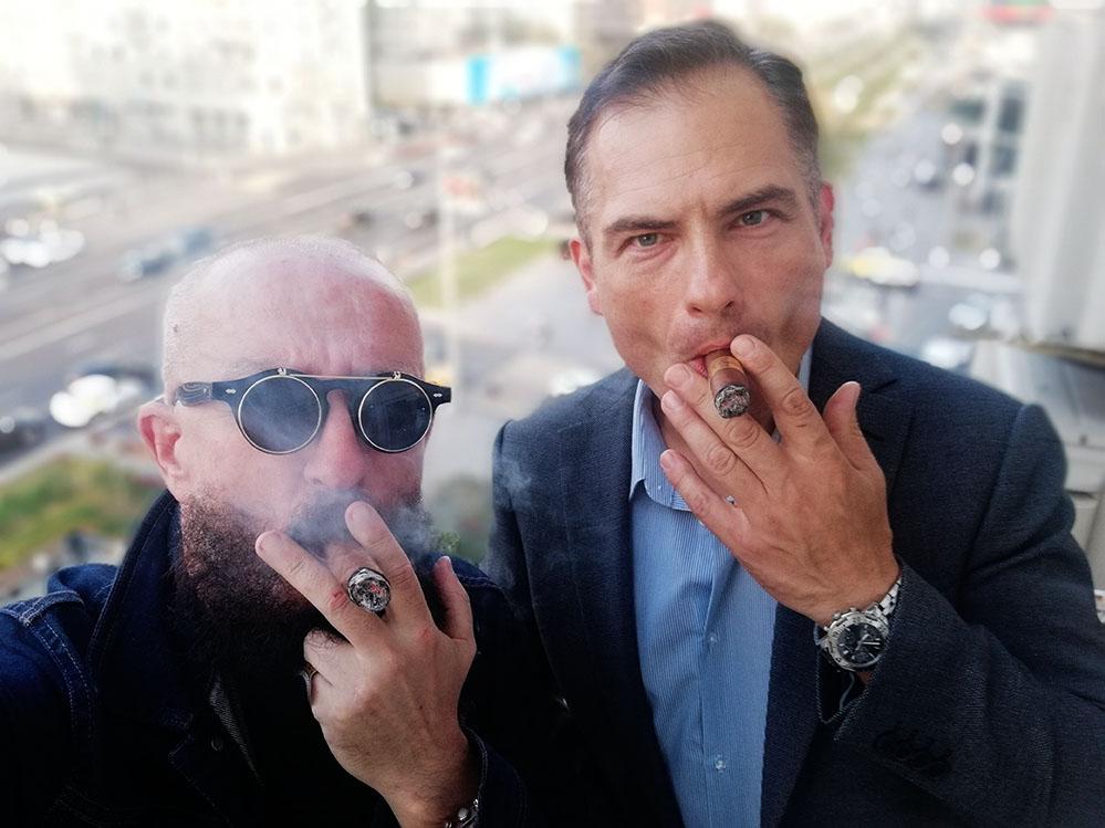 перекур над НОВЫМ АРБАТОМ с адвокатом Ильёй Поповым