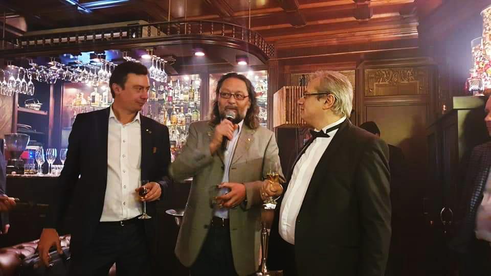 Поздравляем Тифлисский Дворик с получением звания Habanos Lounge «Aristocrat» и Константина Бейлина с Днём Рождения!