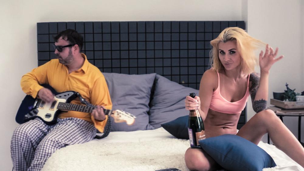 шампанское для Вашего клипа … Шампань Филипп Гоне Гран Резерв Брют от BRAVO TRADE