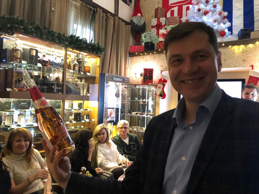 Новогодняя сказка! Фотоотчет: 25 декабря 2019 года в лучшем сигарном салоне «Сигары и Виски»