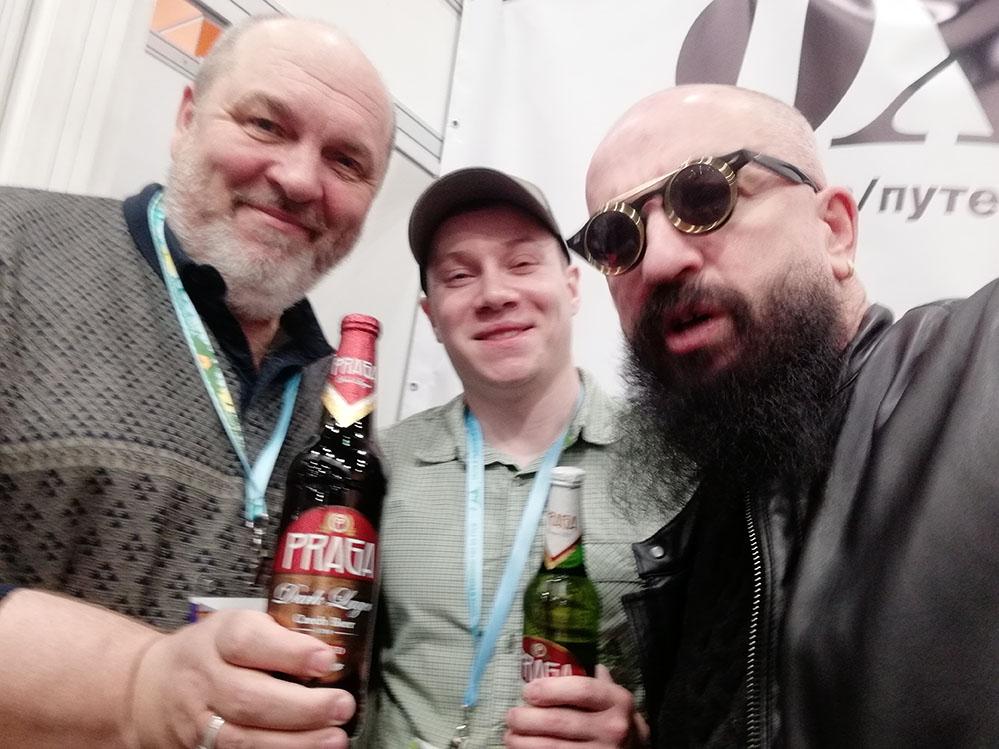 Самый известный охотник России Валерий Кузенков пьёт только пиво PRAGA! Что и Вам советует!