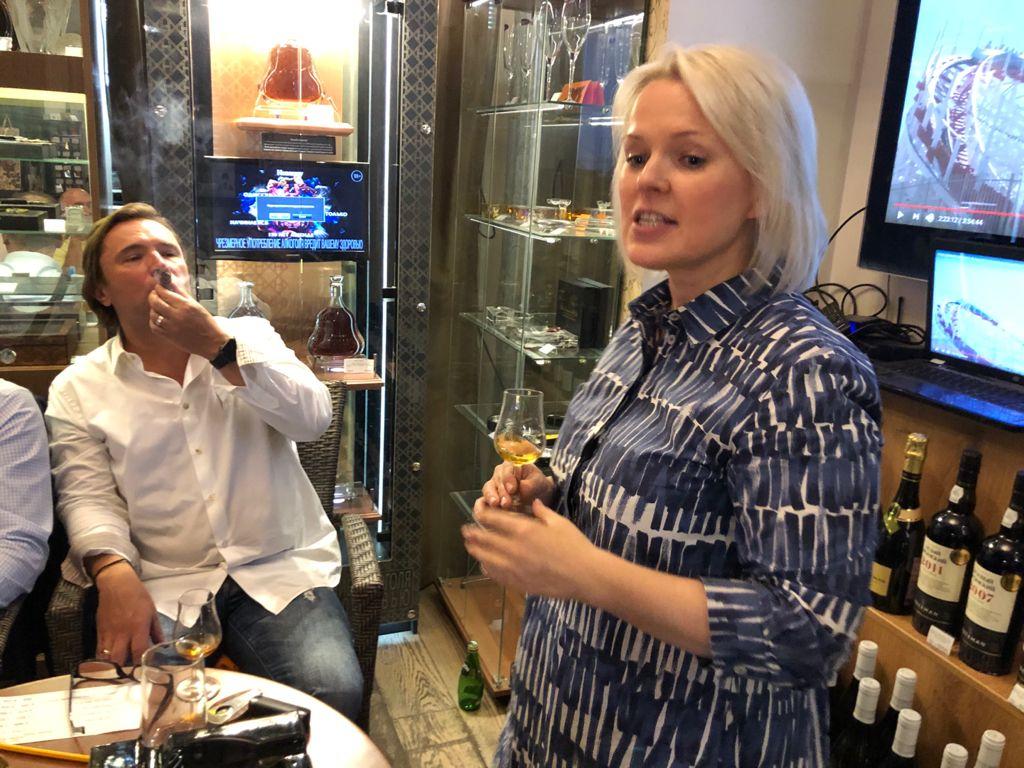 «Сигары и Виски» на Маяковской: Королевский вечер! Коньяк Roullet и Zino Davidoff!
